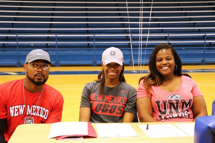 Basketball Girls Commit to College